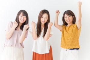頑張る3人の女性